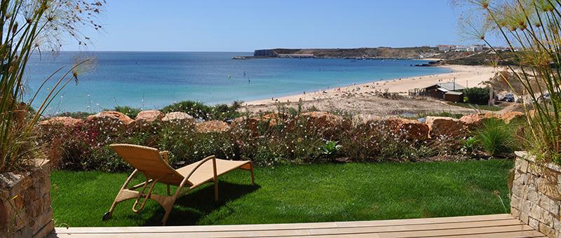 An einem Traumstrand der Algarve
